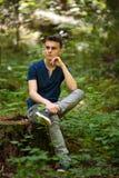 Adolescente al aire libre en el parque Imagen de archivo