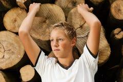 Adolescente atractivo con una expresión pensativa Foto de archivo