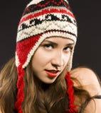 Adolescente atractivo en el estudio. sonrisa positiva Fotografía de archivo libre de regalías