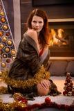 Adolescente atractivo en la Navidad Fotos de archivo libres de regalías