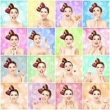 Adolescente atractivo feliz con una piruleta del caramelo en fondo coloreado de la burbuja Fotos de archivo libres de regalías