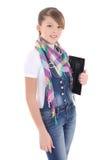 Adolescente atractivo que sostiene la PC de la tablilla sobre blanco Imágenes de archivo libres de regalías