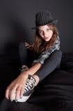 Adolescente in attrezzatura alla moda Immagine Stock