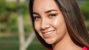 Adolescente bastante femenino feliz Imagen de archivo libre de regalías