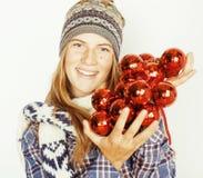 Adolescente bastante rubio de los jóvenes en sombrero del invierno y Fotografía de archivo