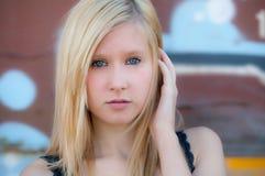 Adolescente bonito afuera Fotos de archivo libres de regalías