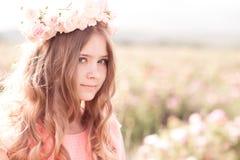 Adolescente bonito ao ar livre Imagens de Stock