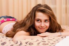 Adolescente bonito en casa Fotos de archivo libres de regalías