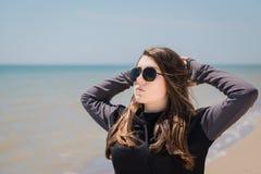 Adolescente bonito en gafas de sol Imágenes de archivo libres de regalías