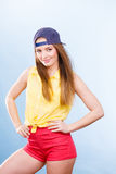 Adolescente bonito en ropa de moda Imagenes de archivo