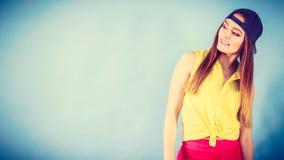 Adolescente bonito en ropa de moda Fotos de archivo libres de regalías