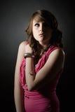 Adolescente bonito que olha acima Fotografia de Stock