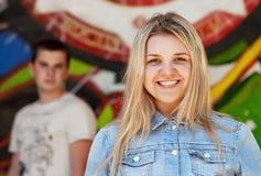 Adolescente bonito sonriente Open Imagen de archivo libre de regalías
