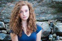 Adolescente cabelludo rizado Fotografía de archivo