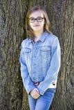 Adolescente casual en el parque Fotografía de archivo libre de regalías
