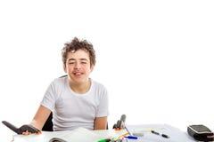 Adolescente caucásico del acné bloqueado por un par de gri plástico negro Fotos de archivo libres de regalías