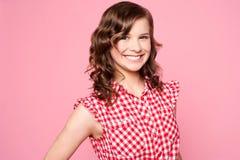 Adolescente caucásico sonriente de moda Fotografía de archivo libre de regalías