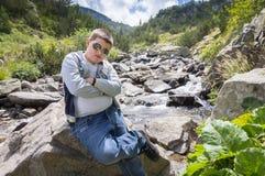 Adolescente che gode della natura Fotografia Stock