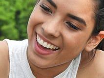 Adolescente colombiano joven sonriente Imágenes de archivo libres de regalías