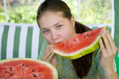 Adolescente com melancia Imagens de Stock Royalty Free