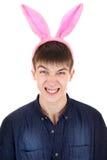 Adolescente con Bunny Ears Foto de archivo libre de regalías
