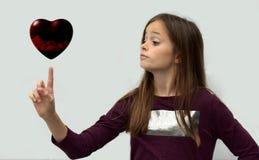 Adolescente con cuore fotografie stock