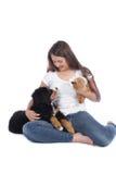Adolescente con dos animales domésticos Imágenes de archivo libres de regalías