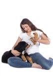 Adolescente con dos animales domésticos Imagen de archivo libre de regalías
