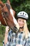 Adolescente con el caballo Imagenes de archivo
