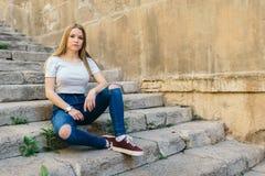 Adolescente con el carácter en Girona, España Fotografía de archivo libre de regalías