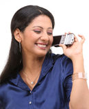 Adolescente con el móvil Imagen de archivo