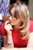 Adolescente con el menú Imagenes de archivo