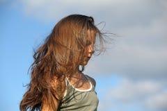 Adolescente con el pelo hermoso largo Imágenes de archivo libres de regalías