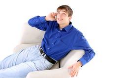 Adolescente con el teléfono Fotos de archivo