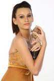 Adolescente con el trofeo del oro Imagenes de archivo