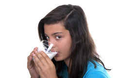 Adolescente con el vidrio de leche Imagen de archivo libre de regalías