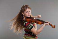 Adolescente con el violín Imagenes de archivo