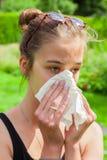 Adolescente con frío Foto de archivo libre de regalías