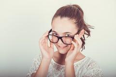 Adolescente con i vetri Immagini Stock Libere da Diritti