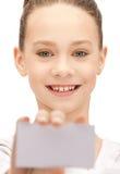 Adolescente con il biglietto da visita Immagine Stock