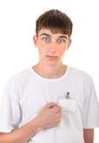 Adolescente con il distintivo vuoto Fotografie Stock