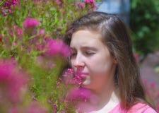 Adolescente con l'allergia del polline Immagine Stock Libera da Diritti