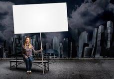Adolescente con la bandera Imágenes de archivo libres de regalías