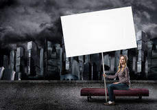 Adolescente con la bandera Imagen de archivo