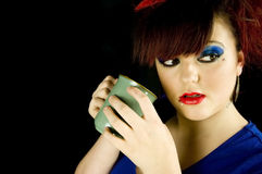 Adolescente con la bebida Imagenes de archivo
