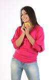Adolescente con la bola de la sonrisa Foto de archivo