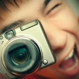 Adolescente con la cámara de la foto Foto de archivo