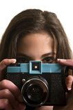 Adolescente con la cámara plástica Imagen de archivo libre de regalías