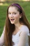 Adolescente con la risa de los apoyos Imagen de archivo