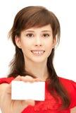 Adolescente con la tarjeta de visita Fotografía de archivo